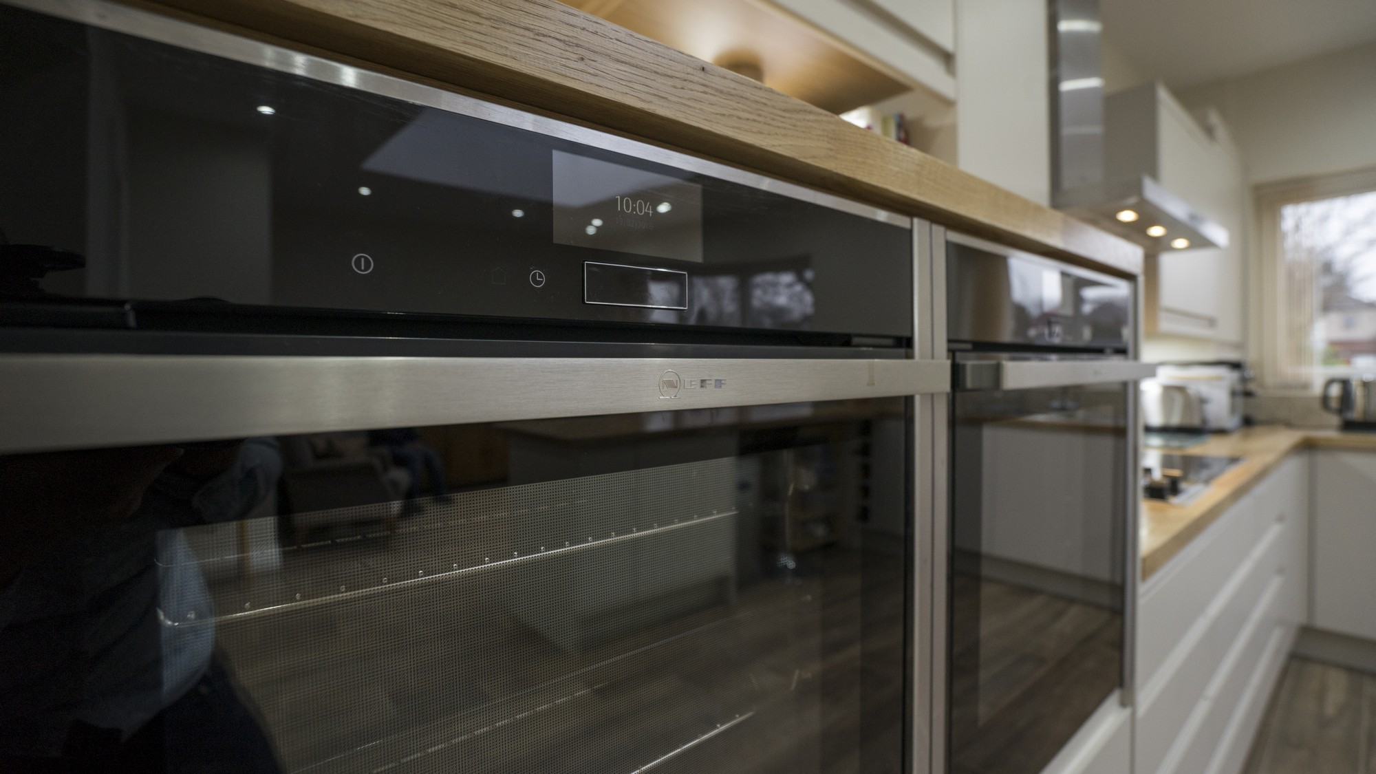 Close up of the dual Neff ovens.